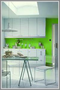 Kombinasi Putih Dan Hijau Muda Fresh Di Dapur Minimalis