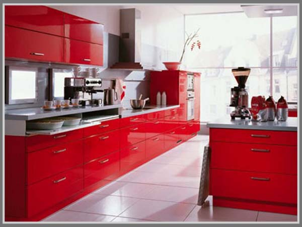 Dapur Terkesan Lebih Menarik Dengan Cipratan Warna Merah