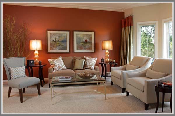 hangat di ruang keluarga dengan warna copper orange