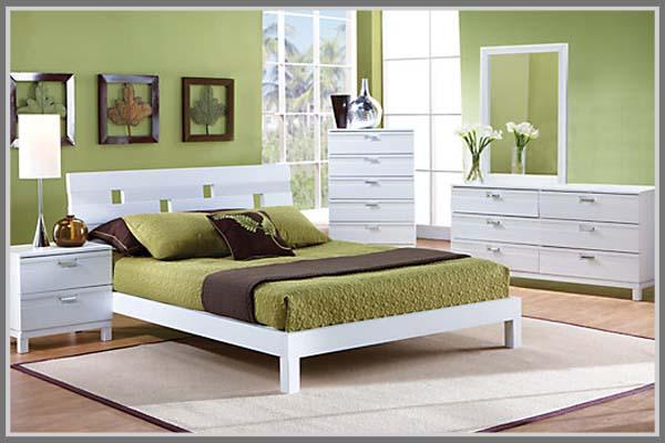 warna untuk membuat kamar tidur tidak terasa sempit