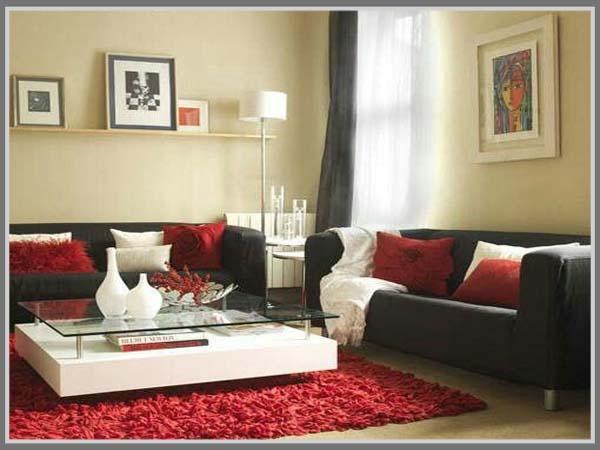 Ruang Tamu Paduan Krem Dan Hitam Cantik Dengan Aksen Merah