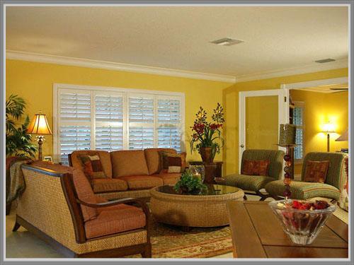 Bermain Warna Kuning Untuk Nuansa Tropis Di Ruang Tamu