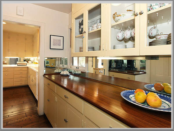 Dan Keperluan Di Dapur Perhatikan Bahan Yang Dipilih Kabinet Berjenis Kayu Harus Dirawat Secara Rutin Agar Tetap Tahan Lama Tidak Mudah Rapuh