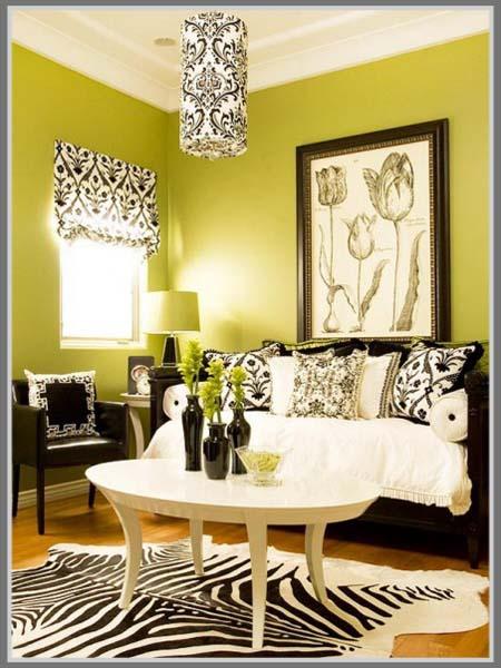 Terkesan Ceria Dengan Warna Kuning Di Ruang Tamu